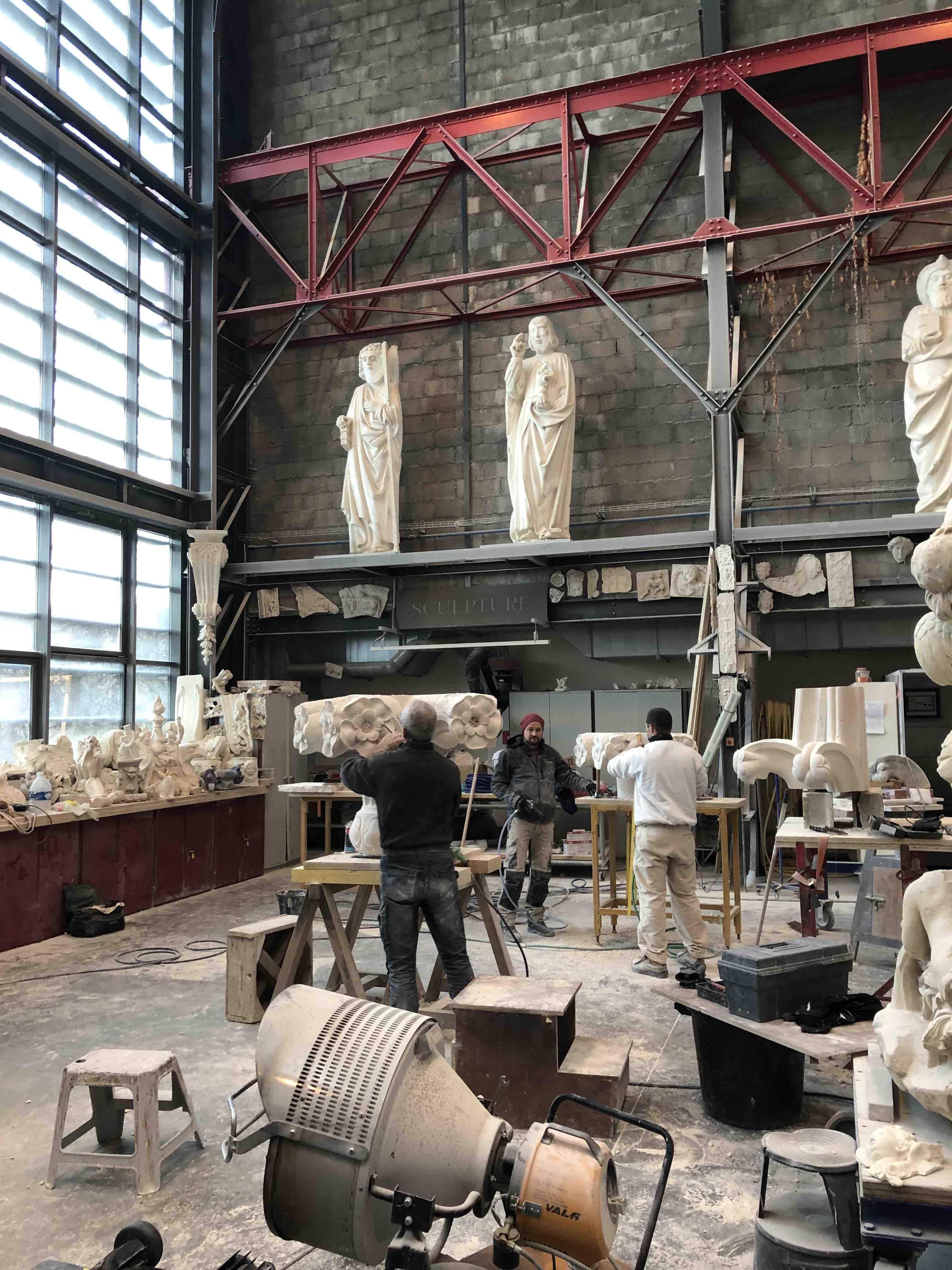 l'école Camondo chez Tolis, sculpteur, staffeur ornemaniste